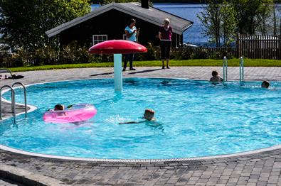 The pool area Mageli Camping og hytter
