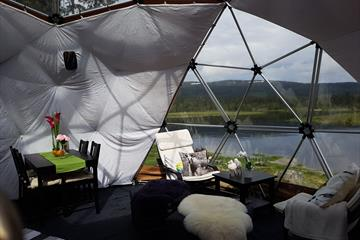 Glamping in Arctic Dome Åstdalen